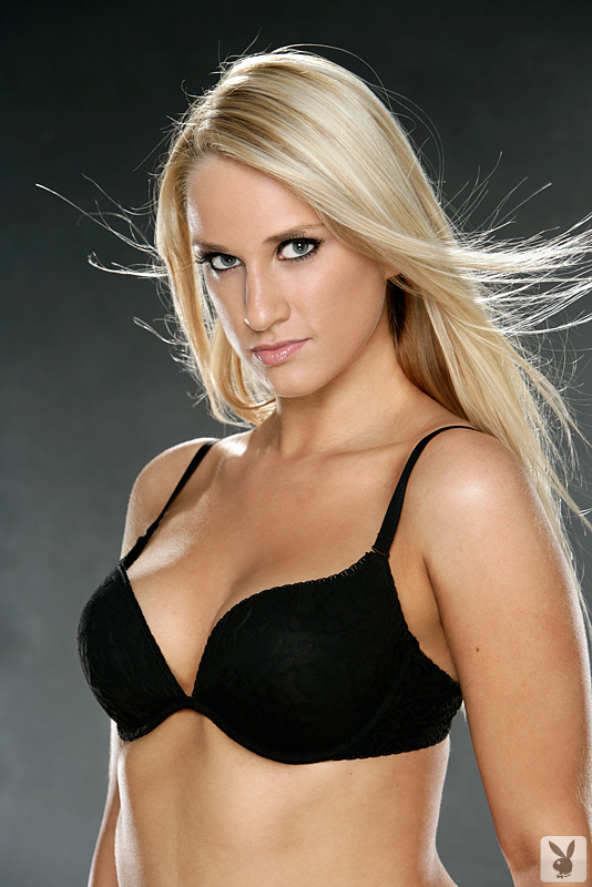 19yo Blonde Girl Amanda Poses for the 1st Time at the Los Angeles Playboy Casting Calls